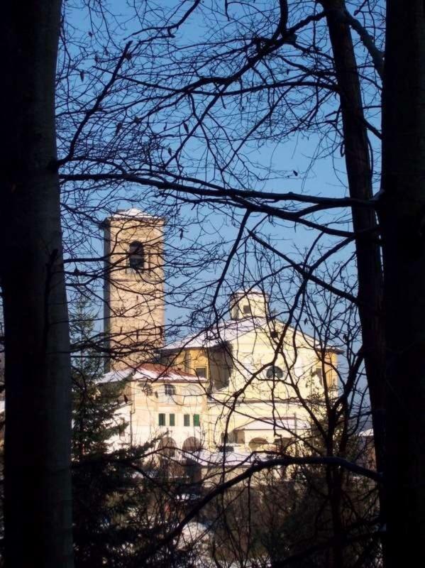 ''Chiesa di Ailoche (BI) vista da Uccelli (BI) Natale 2008'' - Ailoche