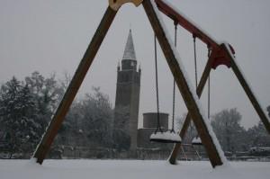 Abbazia,la neve,i bambini,i giochi……….