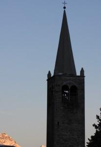 campanile al tramonto