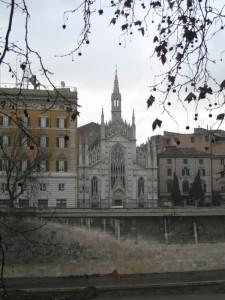 Chiesa del Sacro Cuore del Suffragio a Lungotevere Prati.