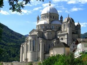 Santuario dedicato alla Madonna del Sangue