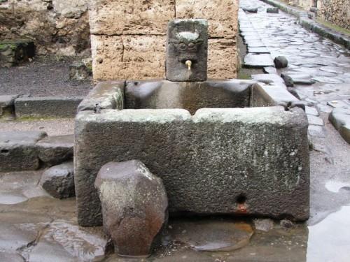 Pompei antica fontana pompeiana for Fontane antiche