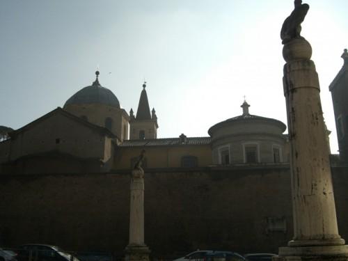 """Roma - Controluce. Lato """"B"""" Chiesa Santa Maria del Popolo."""