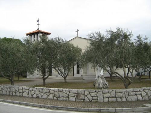 Duino-Aurisina - chiesetta al villaggio del pescatore