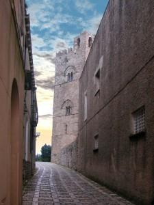 Alba sul Duomo di Erice