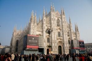 Il duomo di Milano, nel caos quotidiano