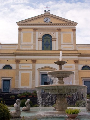 Cava de' Tirreni - chiesa+fontana