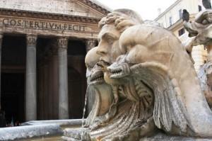 Roma - Particolare della fontana del Pantheon