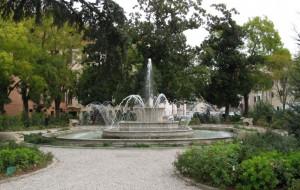 Fontana nel verde