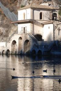Sul lago dorato, Chiesa della Madonna di Costantinopoli.
