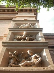 Particolare della facciata del Tempio della Vittoria in San Giorgio (RC)