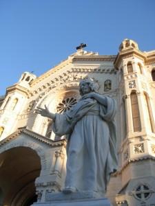 Santo Stefano da Nicea si erge difronte al Duomo di Reggio Calabria