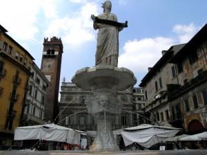 L'imponenza della Madonna Verona