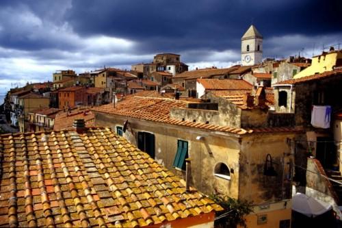 Capoliveri - Panorama di Capoliveri con chiesa