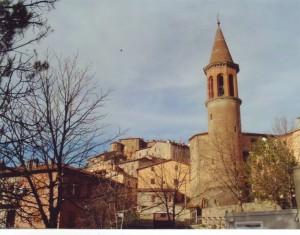 dall'alto, la chiesa