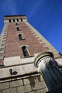 La fontana e la torre