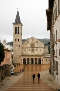 Duomo di Spoleto con una spolverata di neve