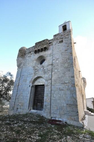 Cipressa - Chiesa-fortezza di Lingueglietta