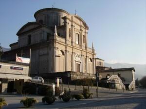 parrocchiale affacciata sul lago d'iseo