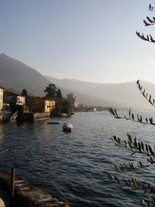 parrocchiale di sale vista dal lago
