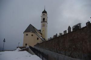 Lapidi e chiesa di Bedollo