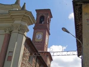 scorcio campanile e cornicione chiesa parrocchiale
