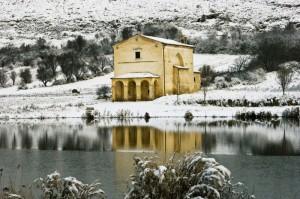 Riflessi nel Lago della Chiesetta della Madonna delle Grazie