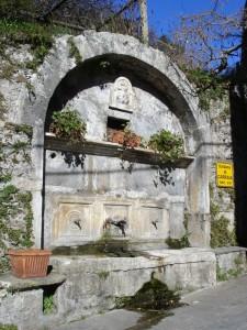 Stazzema - Fontana di Carraia