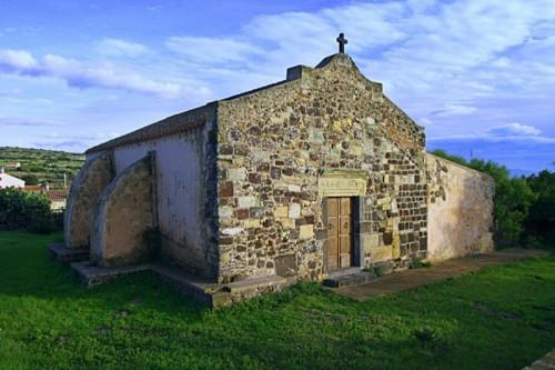 Narbolia - La piccola chiesetta di San Pietro
