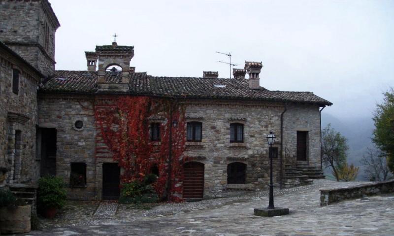''Votigno - Casa del Tibet - Chiesetta dedicata a S. Francesco'' - Canossa
