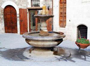 """la fontana dei """"matti"""""""