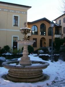 Fontana nella piazza del Municipio