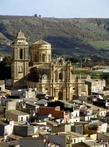 Vizzini, chiesa di San Giovanni nel paesaggio urbano
