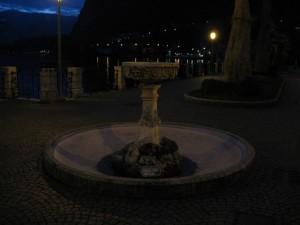La fontana sul lago