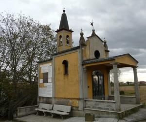 Cappella sull' argine del Po