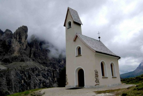 Selva di Val Gardena - Chiesetta del passo Gardena 2