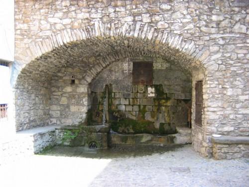 Castel Vittorio - la fontana