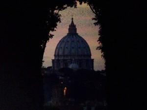 San Pietro spiato dall'Aventino…