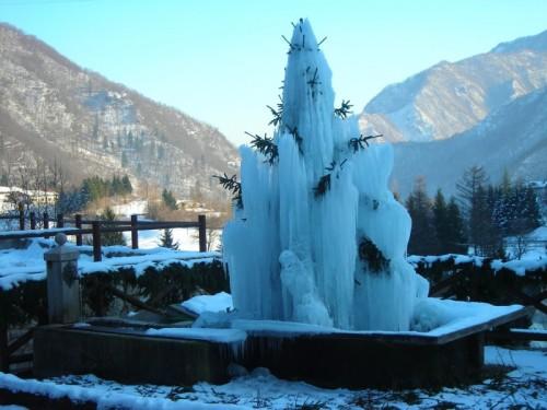 Laghi - fontana pubblica del paese