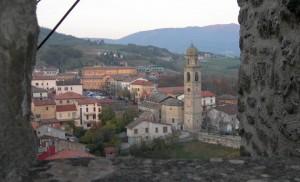 La parrocchiale vista dalla rocca