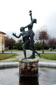 Dafne e Apollo a Marina di Pietrasanta