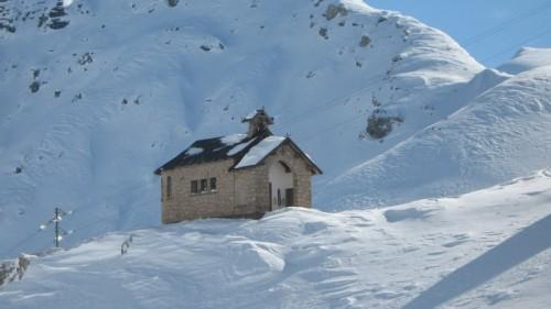 Canazei - Chiesetta sul Pass Pordoi