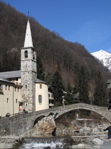 Fontainemore - chiesa e ponte