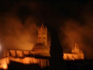 Insoliti effetti di luce sul Duomo - Cattedrale di Santa Maria Assunta (Siena)