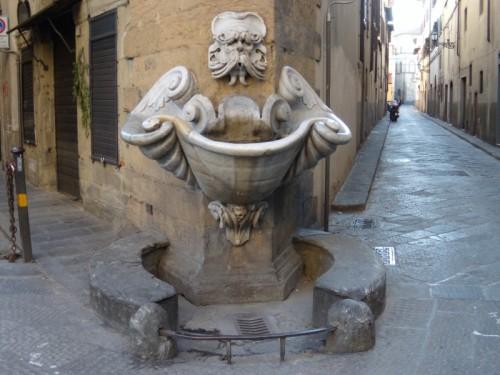 Firenze - Basta un filino d'acqua per una fontana straordinaria