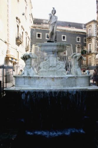 Catania - Fresca cascata, in bianco splendore