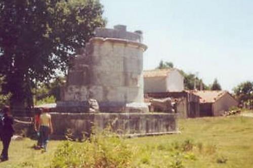 Sepino - Mausoleo di Ennio Marso