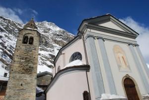 la Parrocchiale e il suo vecchio campanile