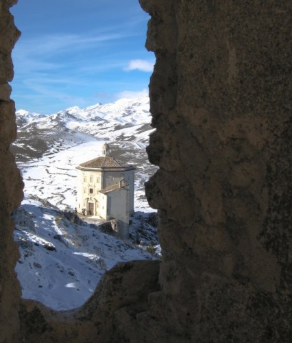Calascio - Chiesa di Santa Maria della Pietà