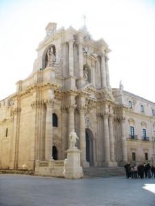Siracusa il Duomo contro luce